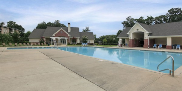 Apartment-with-Pool-white-marsh-md-Eagles-Walk