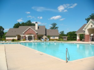 Apartments-near-baltimore-hirschfeld-swimming-pool