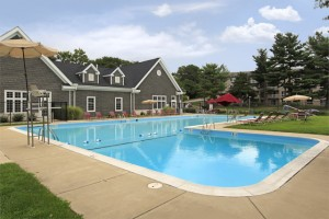Swimming pool Apartments in Laurel, MD - Tall Oaks