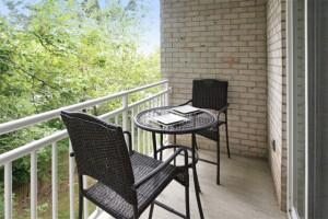 2 bedroom apartment, Laurel, MD - balcony