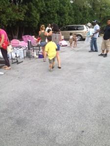 Cockeysville_apartments_steeplechase_community_yard_sale.2