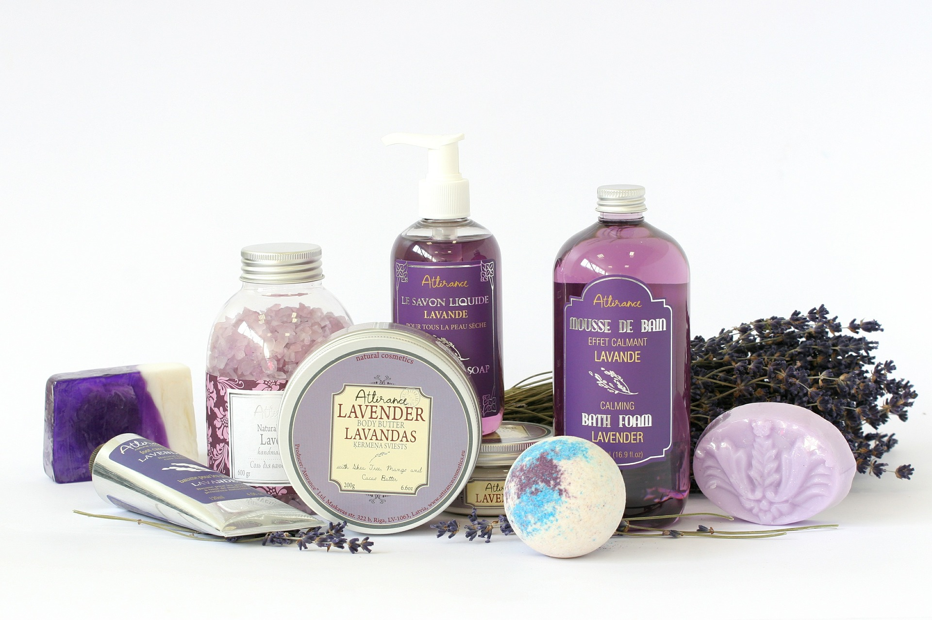 2016-02-10-5tipstohelpyoufallasleep-lavender-products
