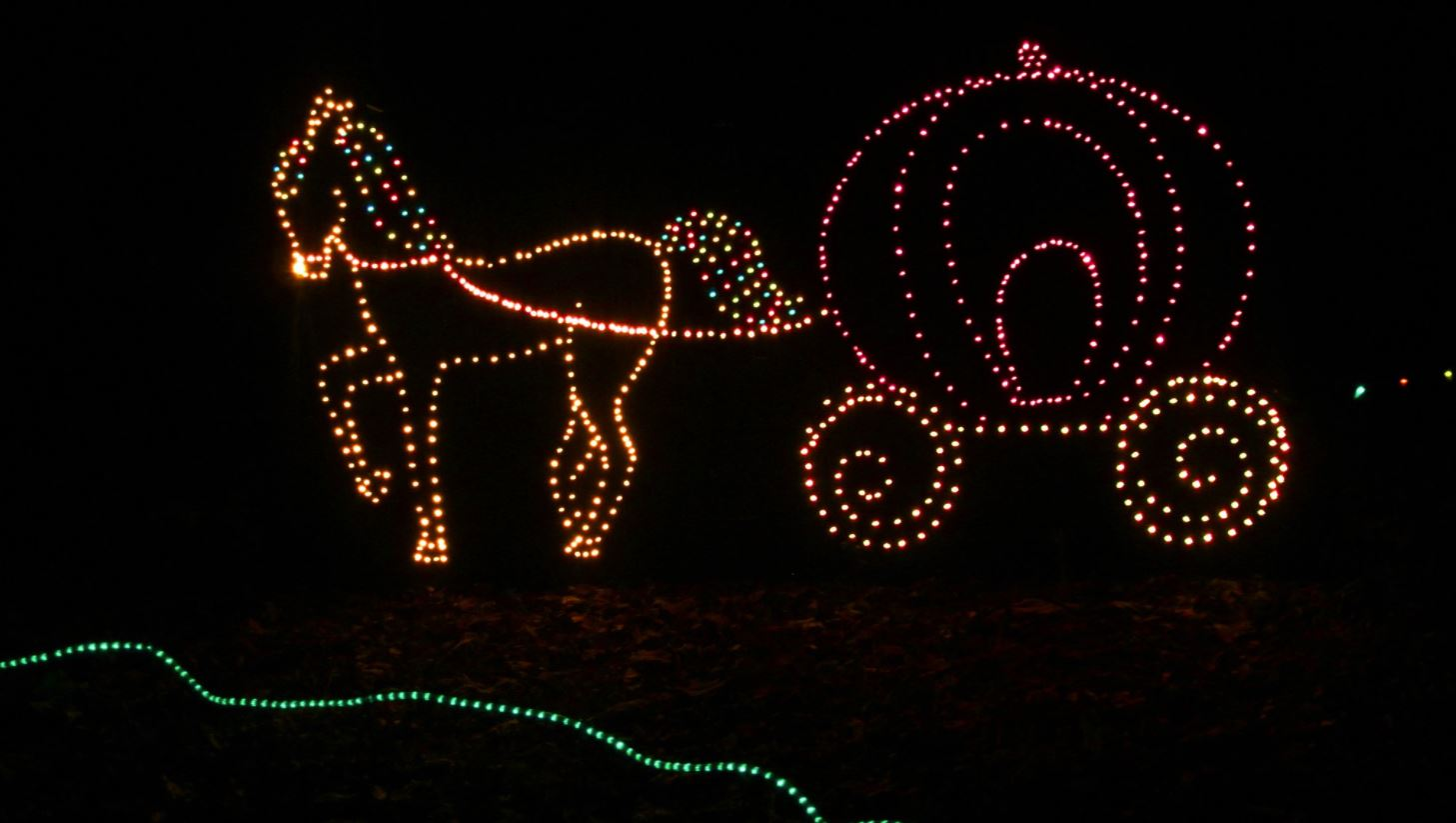 holiday light displays in baltimore marylans annmarie garden in lights