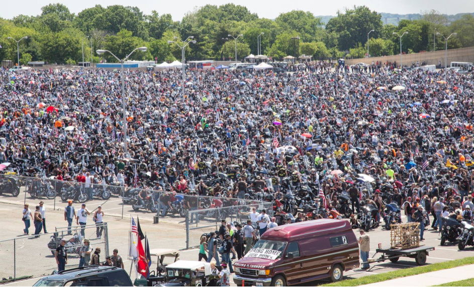 thousands of motorcyclists attend rolling thunder memorial day event